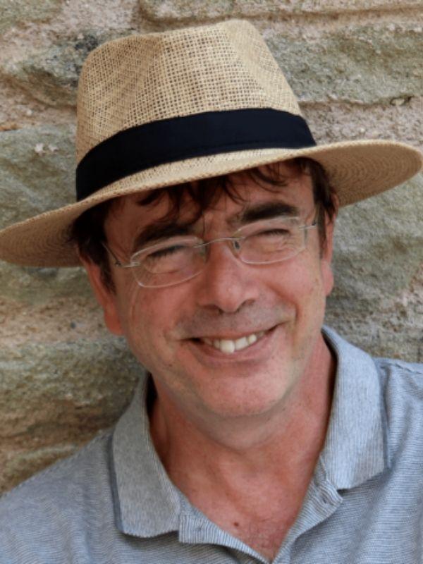Salvador Comelles